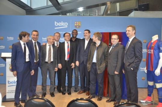 Beko presenta la nueva gama de frigoríficos Beko-Barça de la mano de �ric Abidal