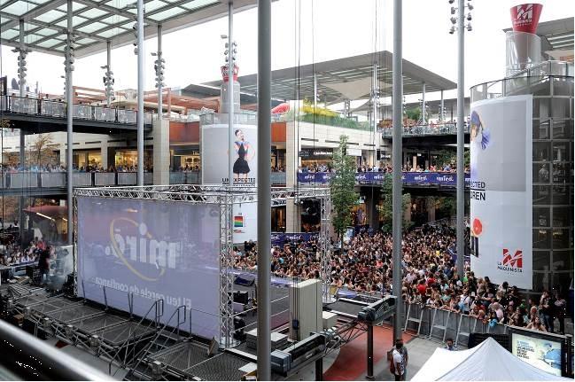 Mir colapsa el centro comercial la maquinista con un - Centro comercial maquinista barcelona ...