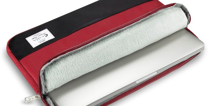 E-Vitta Heritage Sleeve protege al portátil con estilo, funda en rojo y negro forro interior