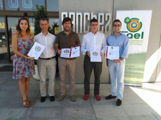 """FAEl entrega los certificados #ECO-tiendas FAEL """"Comercio eco-responsable"""""""