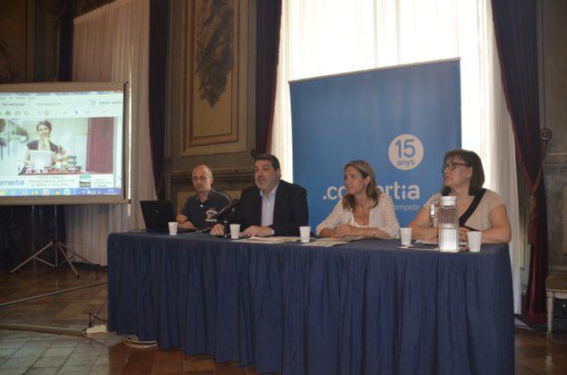 Más del 50% del comercio catalán vende online,