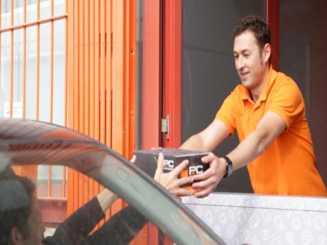 PcComponentes pone en marcha su servicio de recogida de pedidos PcAuto,