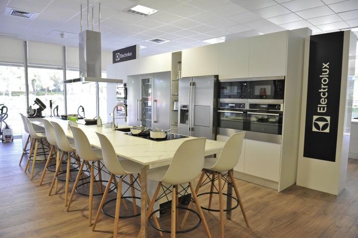 Grupo electrolux estrena sus showrooms en sus oficinas for Grupo vips oficinas centrales