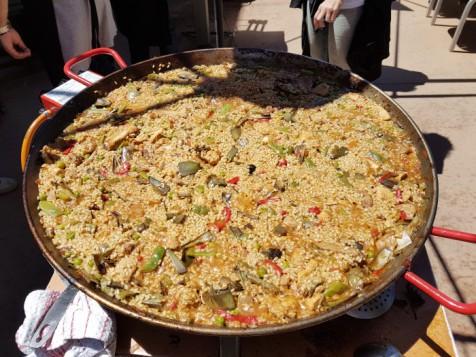 Whirlpool y la Fundación Randstad cocinan por la integración, paella