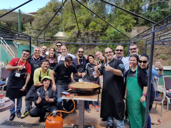 Whirlpool y la Fundación Randstad cocinan por la integración, preparando la paella